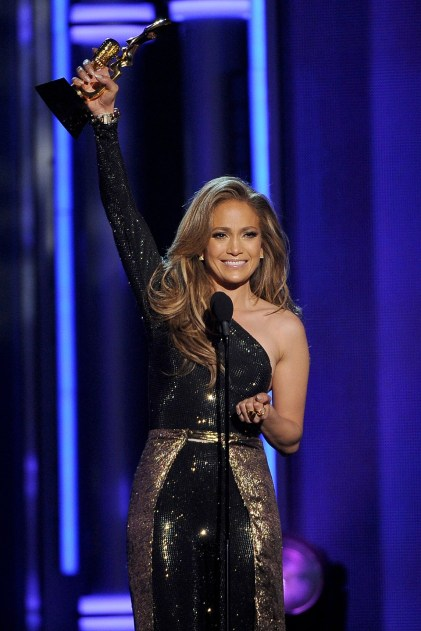 jennifer-lopez_glamour_19may14_pa_b_960x1440